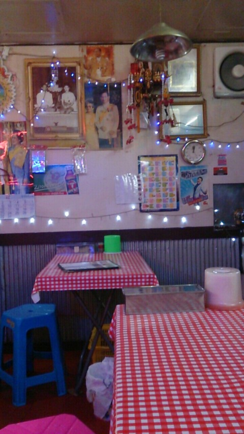 浅草地下商店街にあるタイ料理屋モンティー