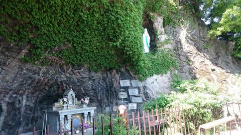 あのルルドの洞窟が東京にあった!!東京カテドラル聖マリア大聖堂