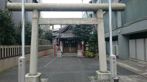 大久保通り「宝禄稲荷神社」