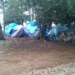 柏公園/ホームレス集落と謎の忠霊塔にプッシュホン型すべり台