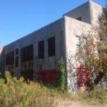 検見川の住宅街にある逓信建築の廃墟「検見川送信所」