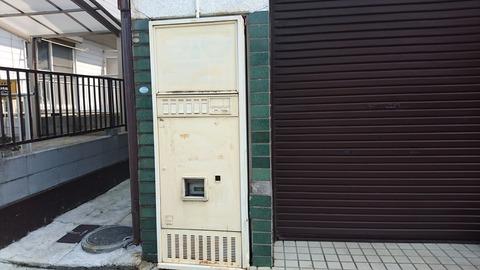 【松戸市】北小金にあるヌリカベになった廃自販のトマソン…